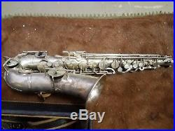 VINTAGE 1920's BUESCHER ALTO SAX VERY RARE SILVER PLATED WITH ORIG. CARRY CASE
